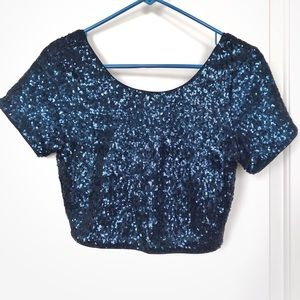 Tops - Blue sequined crop top